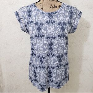 Rose & Olive floral blue & white tee